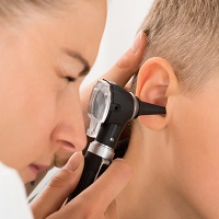 Most common ear infections should not be treated with antibiotics, says NICE