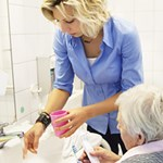 NICE calls on care homes to prioritise the oral health of residents